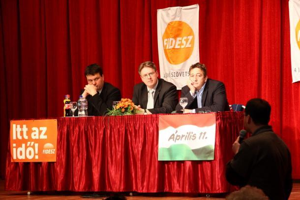 Polgári szalon novemberben: visszatér Bayer Esztergomba