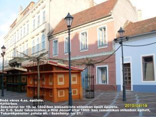 Történelmi séta Esztergomban a Széchényi téren
