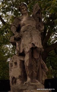 Fejtörő 1.: Szent Flórián szobra