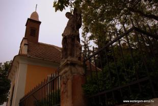 Fejtörő 1: Szent Flórián szobra a Rozália-kápolnánál