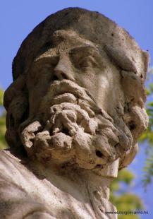 Fejtörő 4: Boldog Özséb szobor