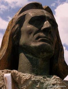 Fejtörő 7: Liszt Ferenc szobor
