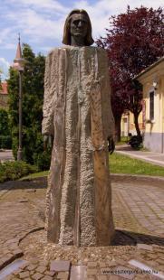 Fejtörő 7: Liszt Ferenc szobra