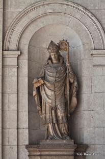 Fejtörő 10: Széchy Dénes érsek szobra