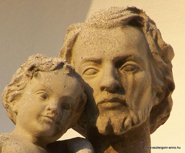 Fejtörő 31: Szent József szobra