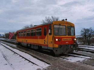 2010-12-12 Újra jár a komáromi vonat