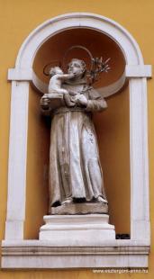 Fejtörő 39: Paduai Szent Antal szobra