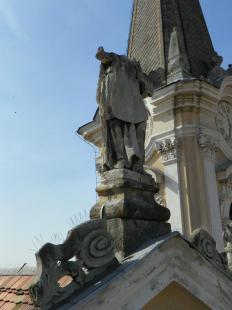 2011-03-25 Leesett a szobor feje
