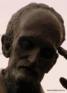 Fejtörő 48: Babits Mihály mellszobra