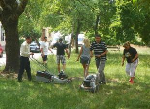 2011-06-02 Jobbik fűnyírás