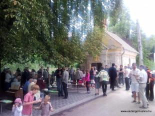 2011-06-26 Mise utáni agapé a Szent János-kúti kápolnánál