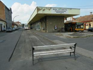 2011-07-19 Aszfaltozzák a buszvég környékét