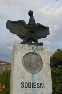 2011-07-20 A javításra váró Sobieski-emlékmű