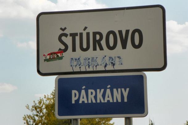 Párkány magyar tábla