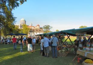 2011-09-24 Tudatos Vásárló Fesztivál - helyi termékek vásárlása