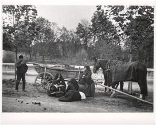 Ebéd a vásárban. 1917