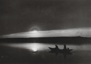 Csónak alkonyatkor a Dunán (Naplemente, Ketten a Dunán). Esztergom, 1917. május 15.