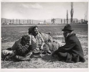 Didi néni és élettársa. Esztergom, 1917. június 27.