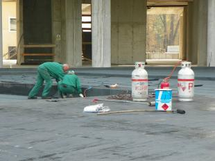2011-10-28 Szigetelik a mélygarázst