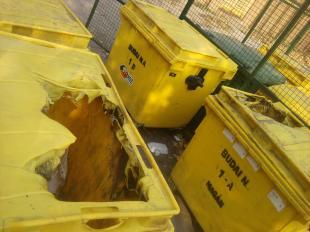 """2011-11-07 """"Spontán öngyulladnak"""" a műanyag kukák"""