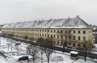 2012-02-14 Itt a tél, tető meg sehol a pusztuló műemléken