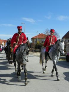 2012-03-15 Érkeznek a huszárok Szentgyörgymezőre