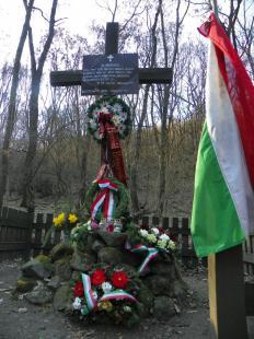 2012-03-21 Hatvanhét éve száz katona esett el ezen a napon