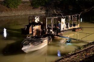 2012-06-26 Tűz volt az éjszaka a Kis-Dunán