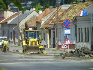 2012-07-12 Huszadikáig tilos a parkolás a Simor J utca egy szakaszán útfelújítások miatt