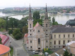 2012-07-26 Megkezdődött a kéttornyú templom restaurálása