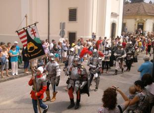 Július 12-14 Visegrádi nemzetközi palotajátékok