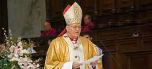 Erdő Péter bíboros misét celebrál a Bazilikában.