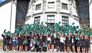 Több mint 500 hallgató vehette át diplomáját a PPKE BTK Diplomaátadó ünnepségén.
