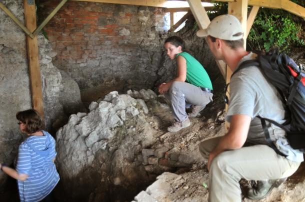 Újabb részletek a Várhegyen zajló ásatásról