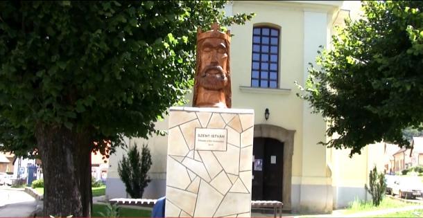 Szent István-szobrot avattak Dömösön