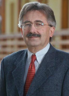 Többek között Dr. Varga Győző kapott Komárom-Esztergom Megyéért díjat