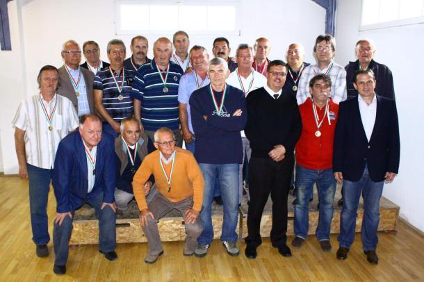 40 év után találkoztak az Esztergomi Vasas Bajnokcsapat tagjai