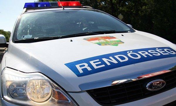 Rendőrök segítettek a férfiakon