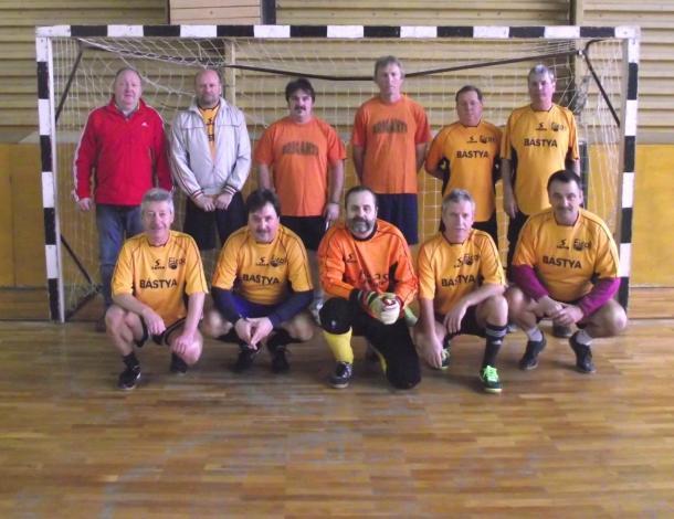 Az esztergomi örökifjú focisták tornája a Pézsában