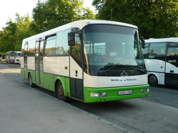 Új buszok, korszerű várók, megújult tömegközlekedés
