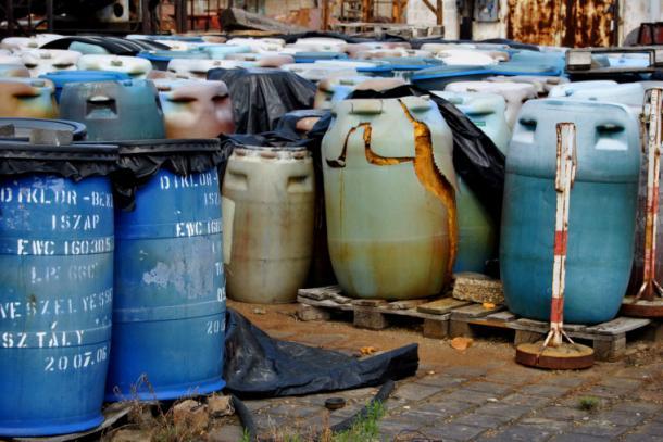 Dorogon égethetik el az Illatos úti veszélyes hulladékot