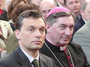 Orbán Viktorra várva
