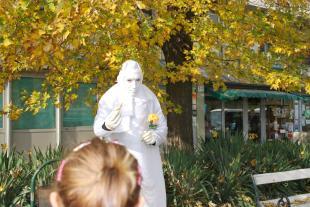 2015-11-09 Élő szobor a belvárosban