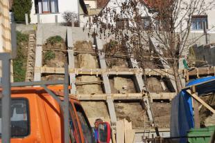 2015-11-18 Támfal építésa a volt Zsinagóga mellett