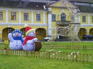 2015-12-01 Világító aranyszarvas húzza a hóembereket