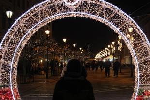 2015-12-18 Beköszöntött az adventi vásár a Széchenyi téren