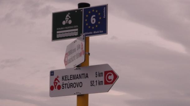 Bringás projekt Esztergomtól északra, összekötnék a Vág és a Duna mentét