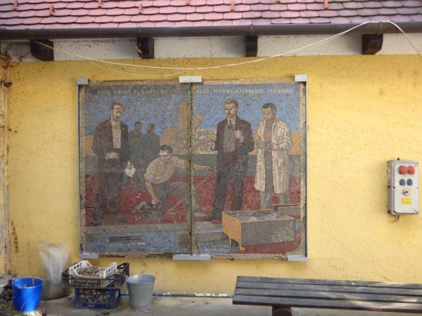 Esztergomba érkeztek a Vituki mozaikok