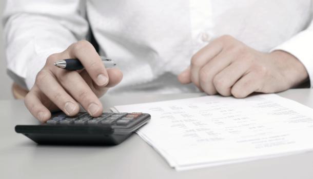 Kereskedők, vállalkozók, figyelem! Esztergomi középiskolák nagybeszerzési pályázatai