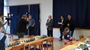 2016-04-08 Megkezdődött a legnagyobb esztergomi sakkverseny